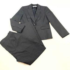 TAHARI Gray Pinstriped Blazer Jacket Pants Suit 14